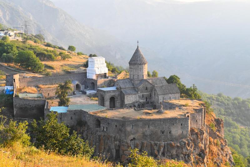 Алиев хочет вернуться в Ереван, а армянам куда деться?
