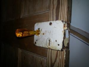 Rimlock on door