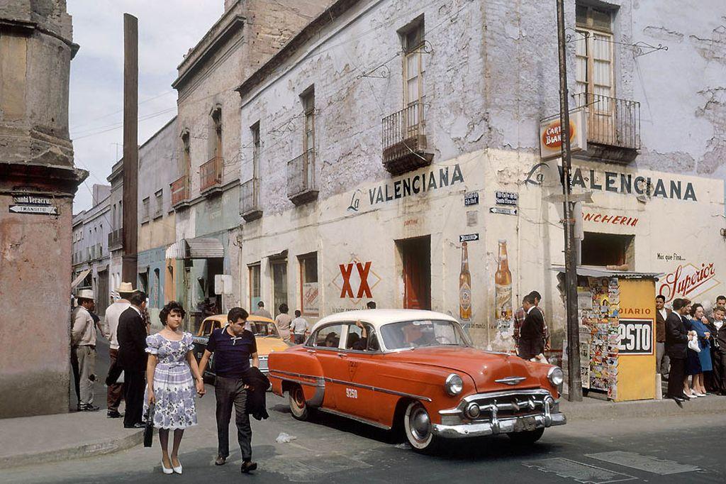 А это улицы Мехико, начало 60-х