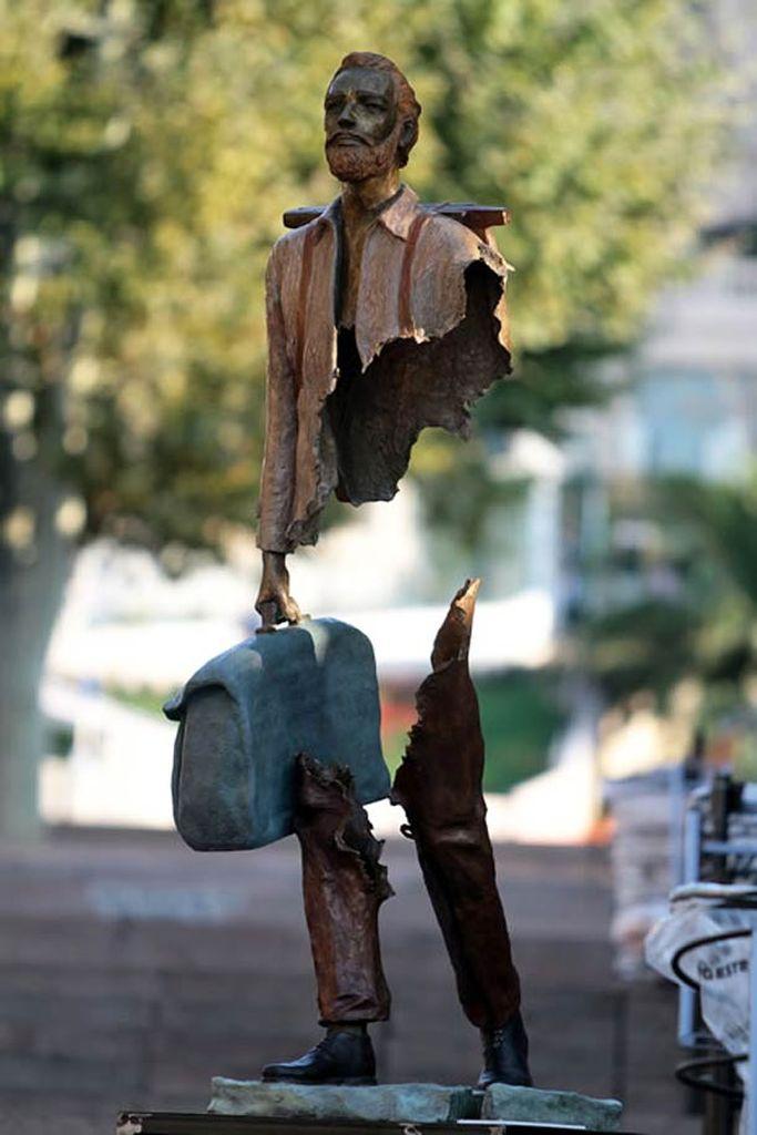 Сюрреалистические скульптуры Бруно Каталано (Bruno Catalano)