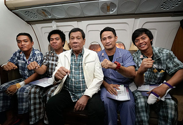 Rody with soldiers