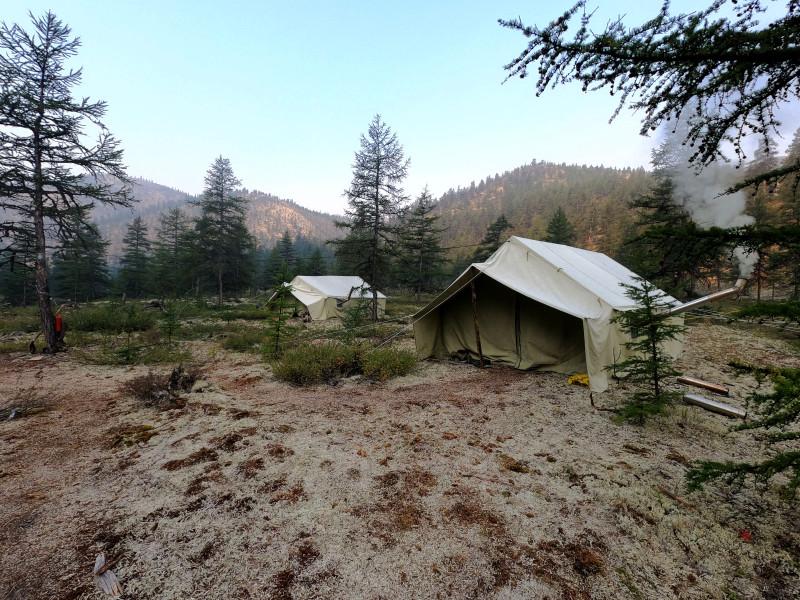Утро в палаточном лагере