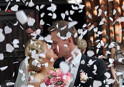 konfeti patrankos  su ziedlapiais ir sirdelemis