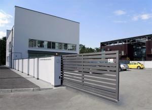 slenkantys-vartai
