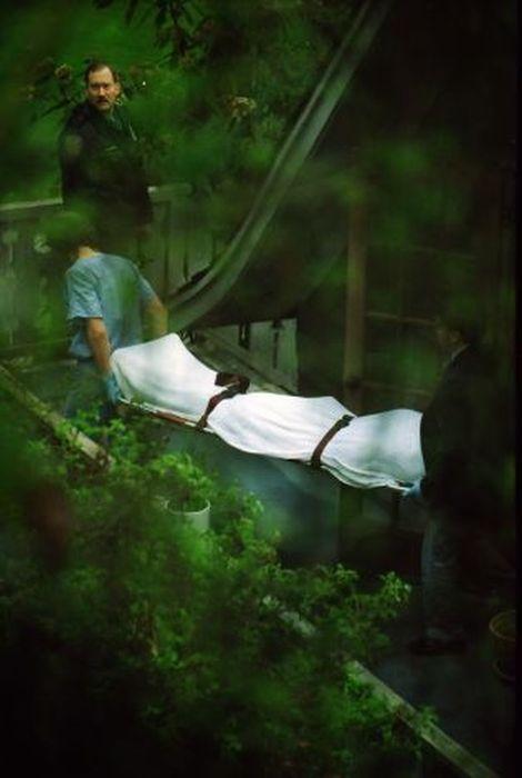 kurt_cobain_suicide_scene_13