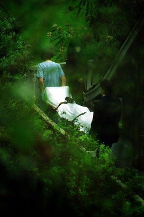 kurt_cobain_suicide_scene_15