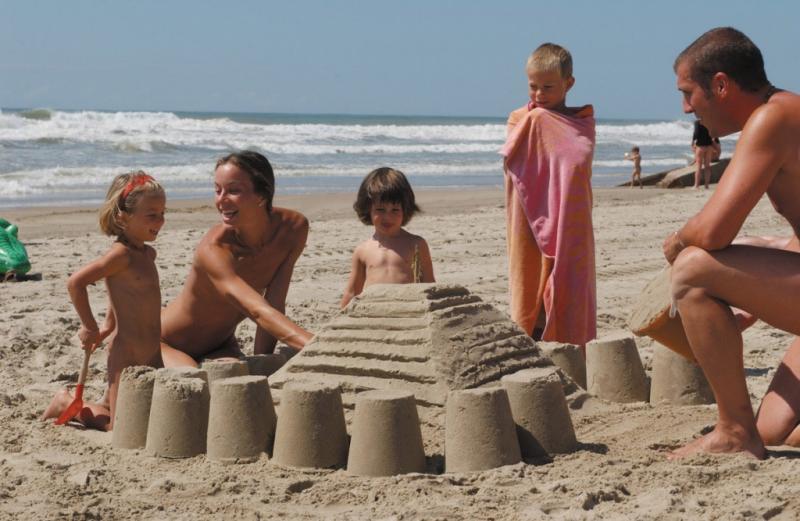Семейные фото нудиский пляж фото 445-399