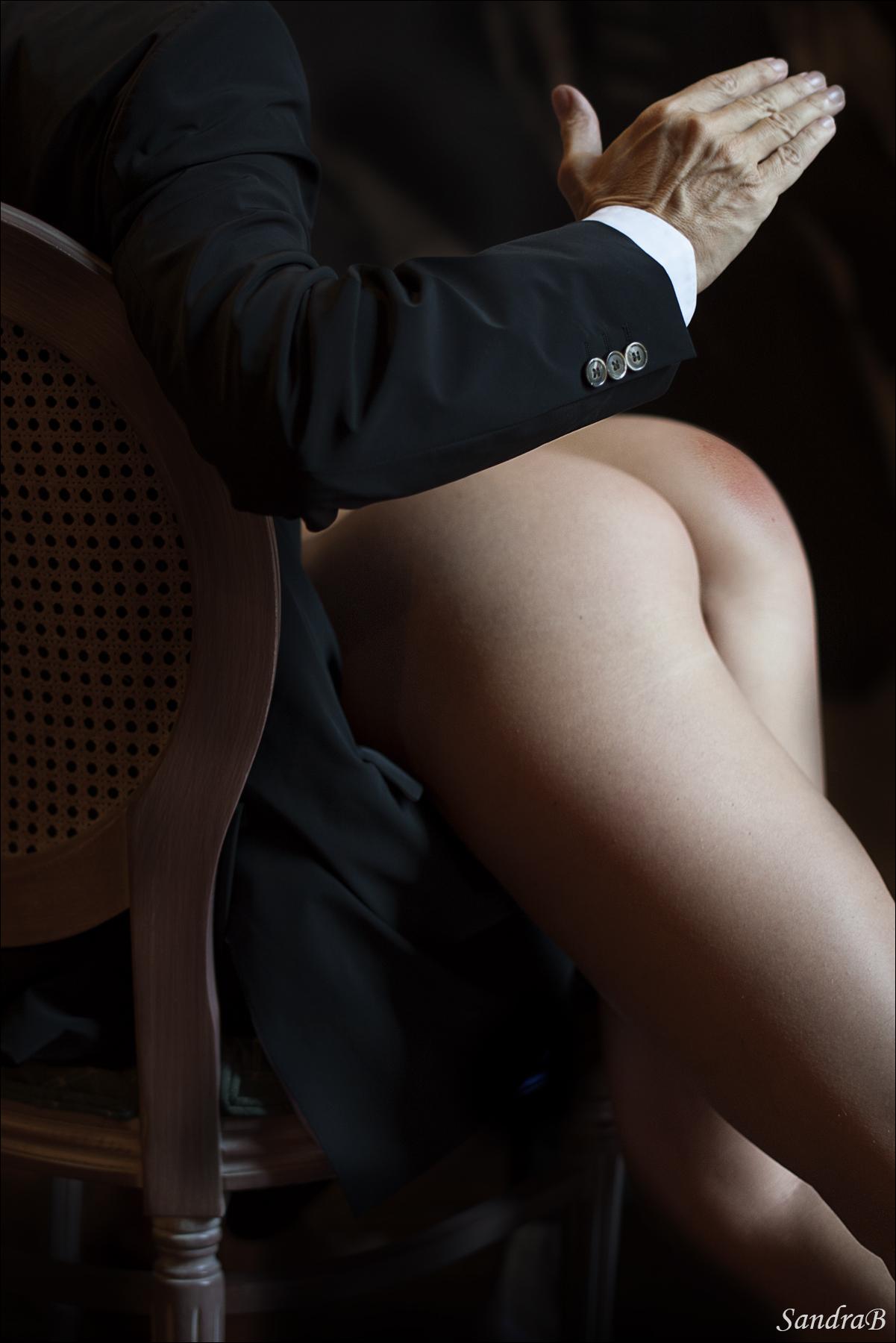 Смотреть онлайн муж отшлепал жену 10 фотография