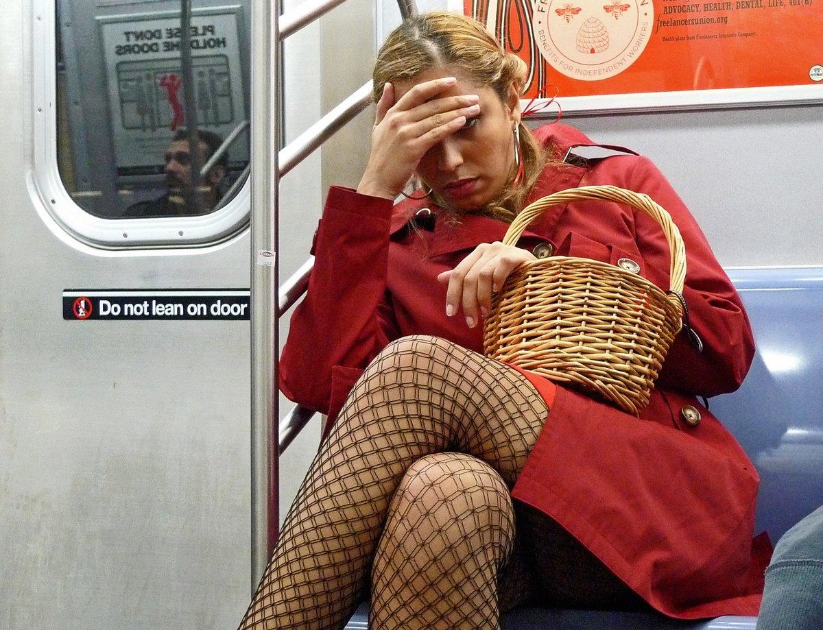 Случайно потрогала член в общественном транспорте 11 фотография