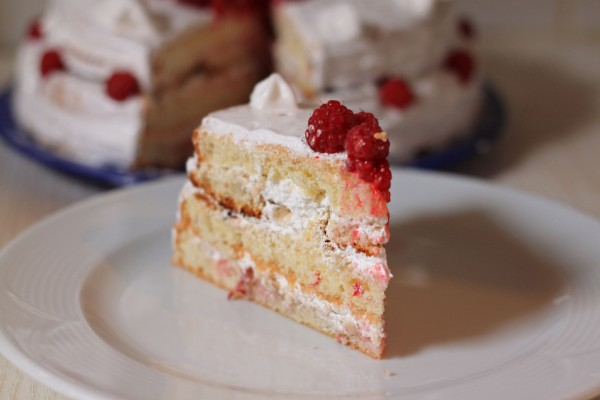 бисквитный торт с белковым кремом пошаговый рецепт
