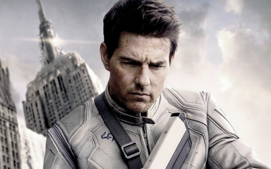 Tom-Cruise-in-Oblivion-2013-HD-Wallpaper-Wide