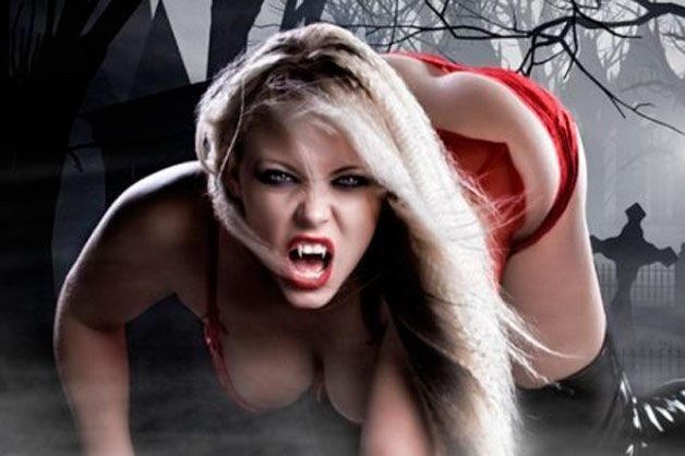 Сексапильная вампирша