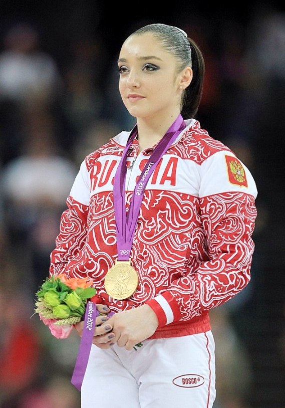 russkie-sportsmenki-s-familiey-na-bukvu