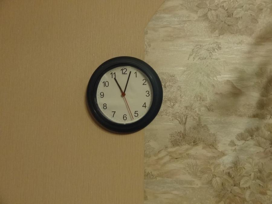 Часы 23-00