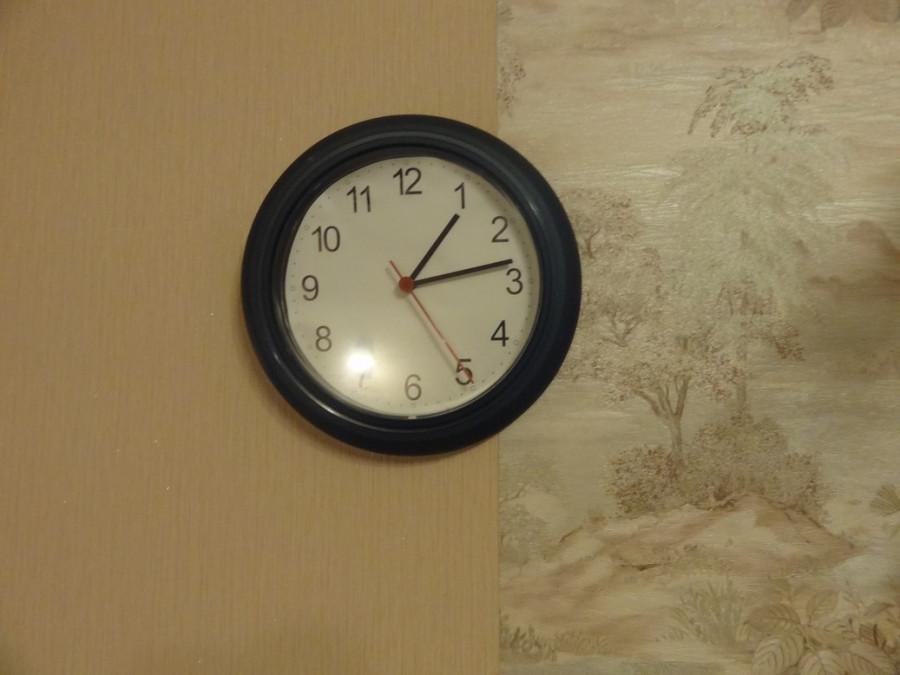Часы 01:12