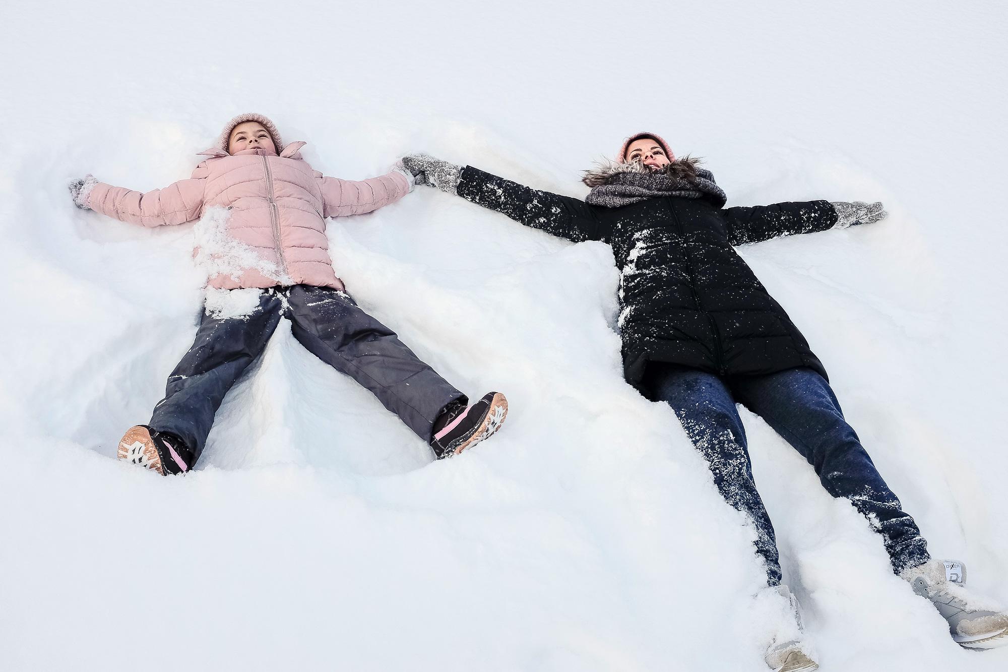 человек лежащий на снегу картинки актер