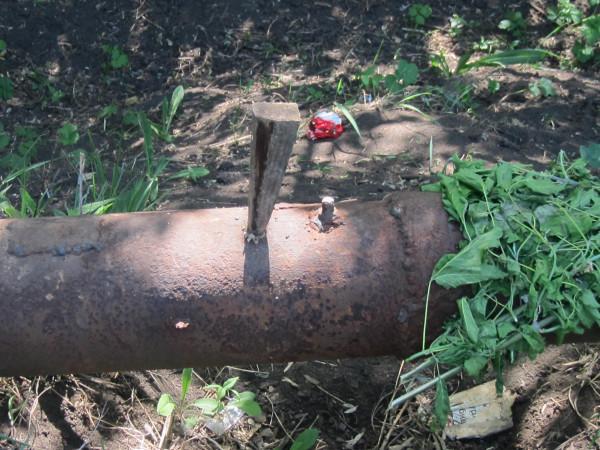 Так в Славянске чинят водопровод