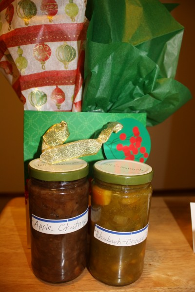 Edible presents Rhubarb-Orange Jam Apple Chutney