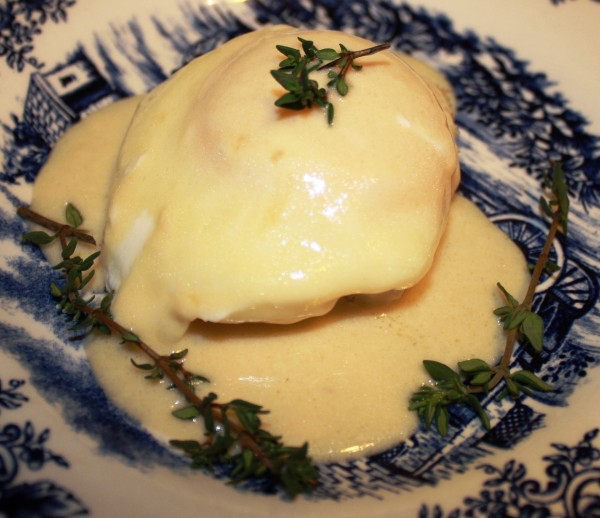 Eggs Oeufs poches Gambrinus Eggs poached in beer