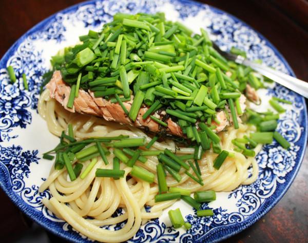 Green onions Spagetti w Salmon