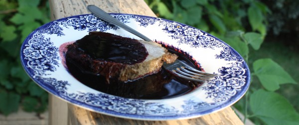 Black raspberry sauce meat