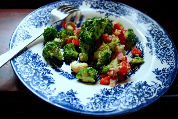 Salad Broccoli cashew