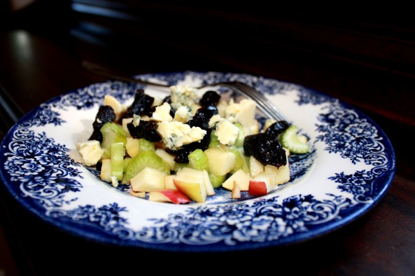 Dry fruits Apople-celery-prunes-stilton salad