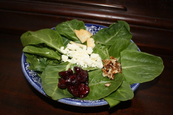 Salad spinach  feta cranberries walnuts crackers