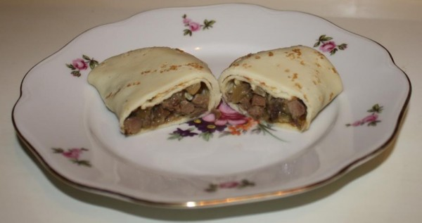 Crepes with beef heart
