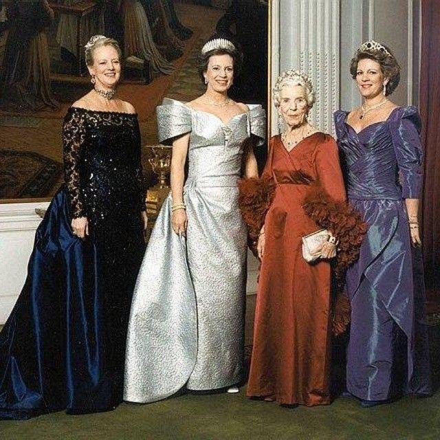c9464b9f657fb6446bf444527a22b1f3--greek-royal-family-danish-royalty.jpg