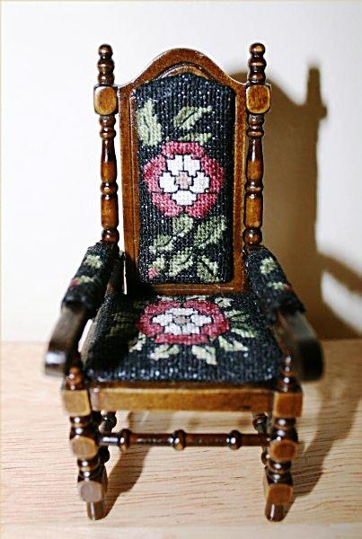 Tudor_Rose_Chair2