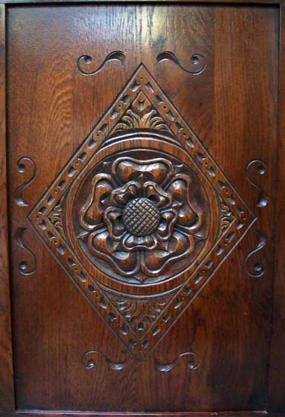 Tudor Rose Four Poster Bed_central-panels