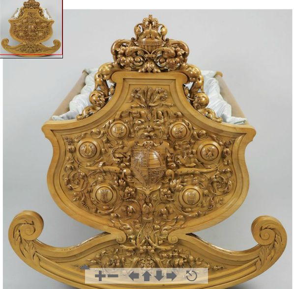 a cradle in boxwood in the Italian style