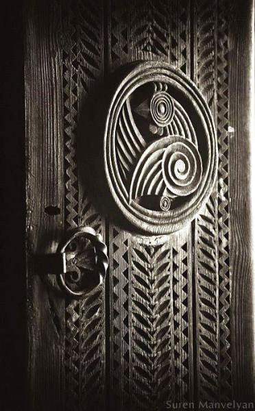 carved door_5
