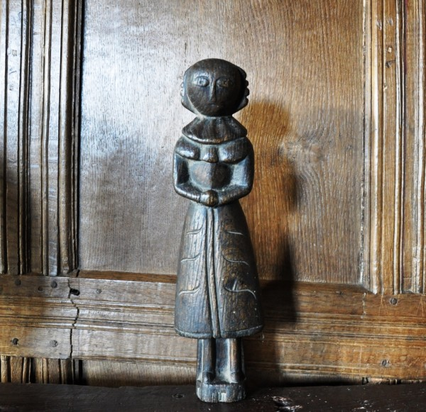 a-very-rare-mid-17th-century-english-carved-oak-childs-doll-circa-1650-1077-3