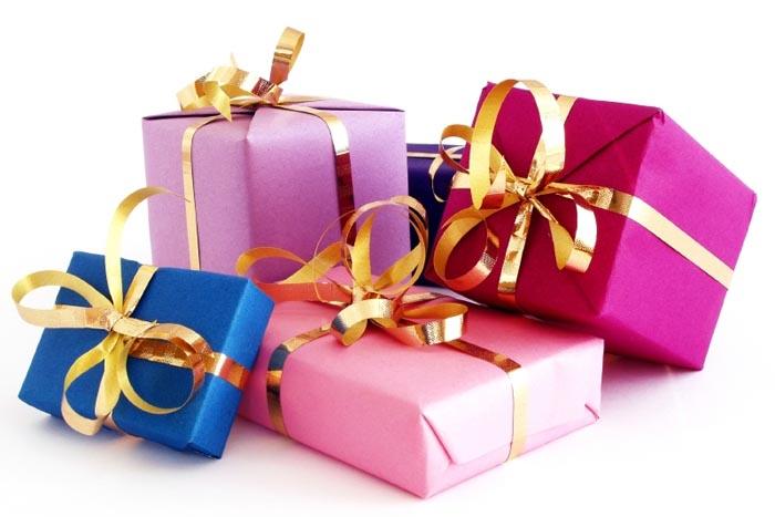 Связной дарит подарки