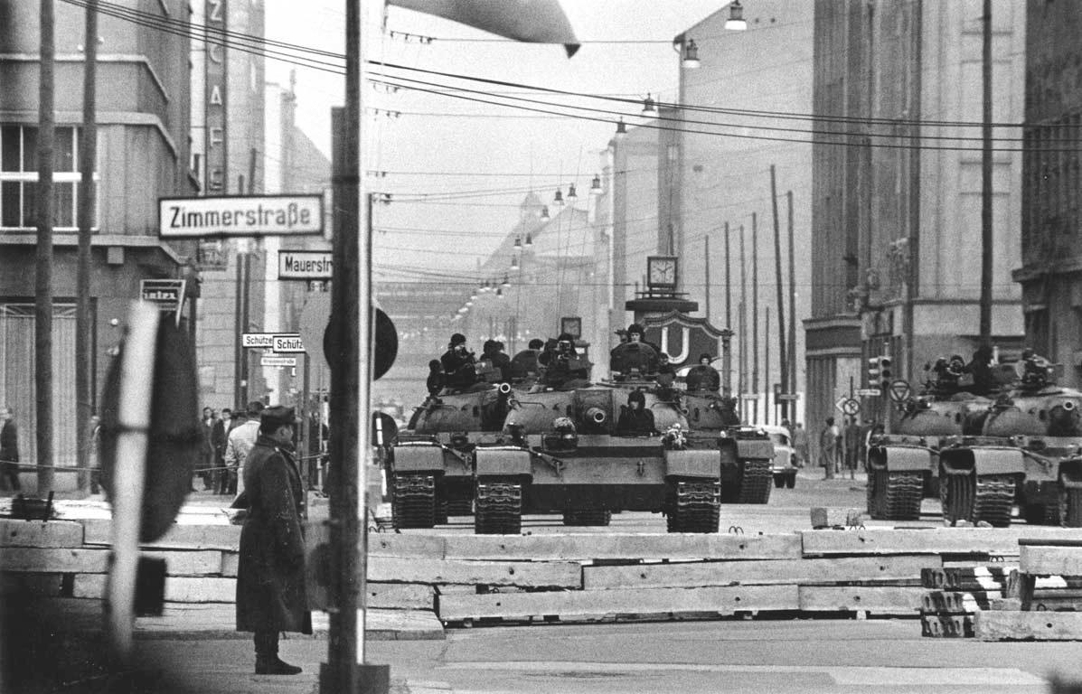Танковая драма у КПП «Чарли»