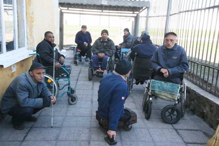 Можно ли инвалида посадить в тюрьму?