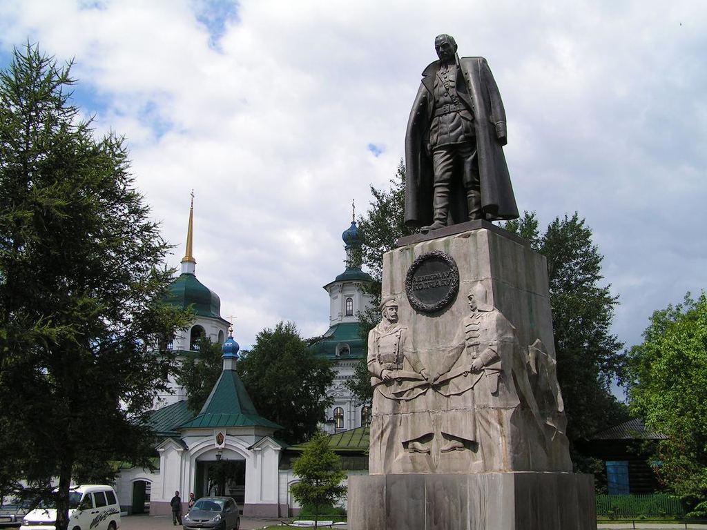 Достоин ли Колчак памятника