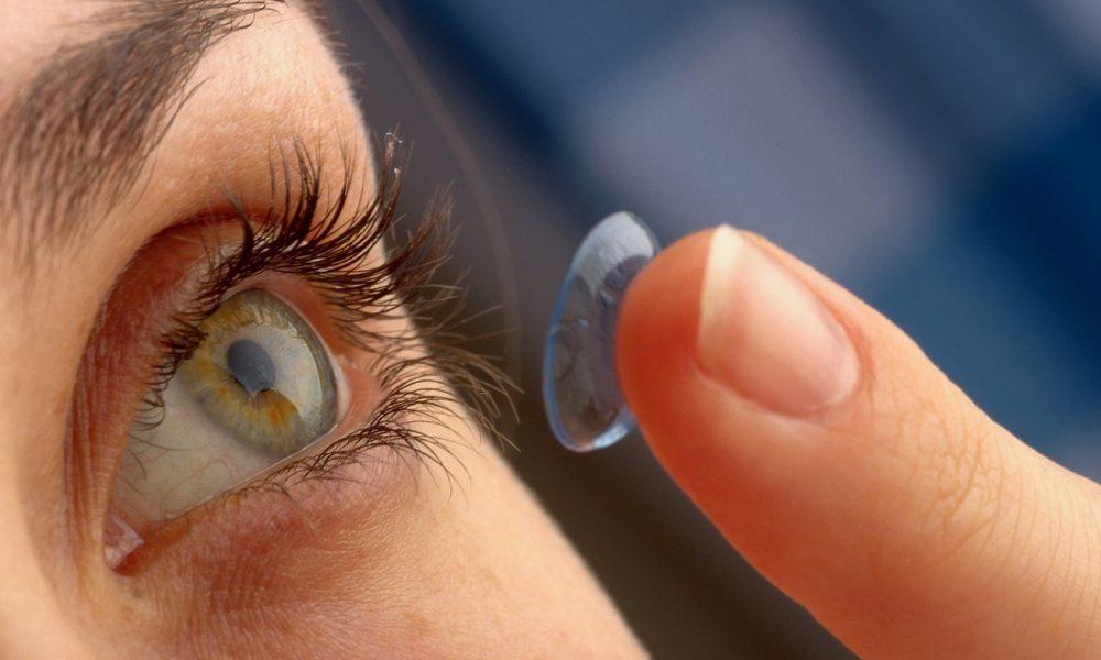У женщины в глазу нашли 27 потерянных линз