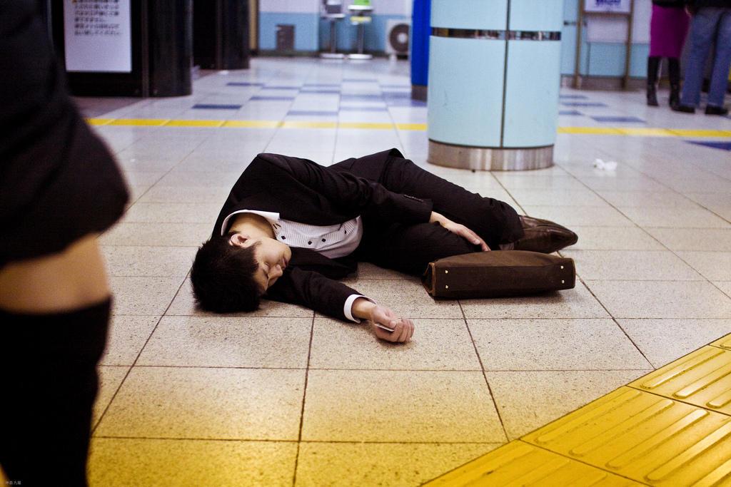 Японская журналистка умерла от усталости