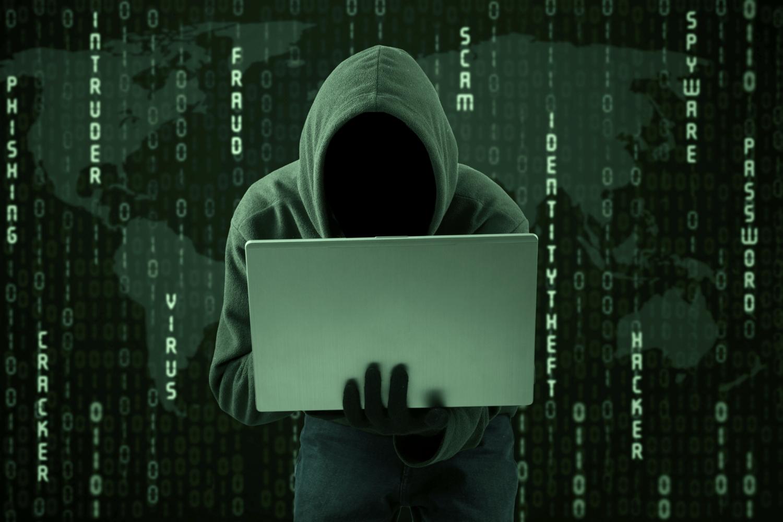 """Хакер """"взломал"""" Boeing 757 прямо в аэропорту"""