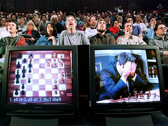 Нейросеть победила сильнейшую шахматную компьютерную программу