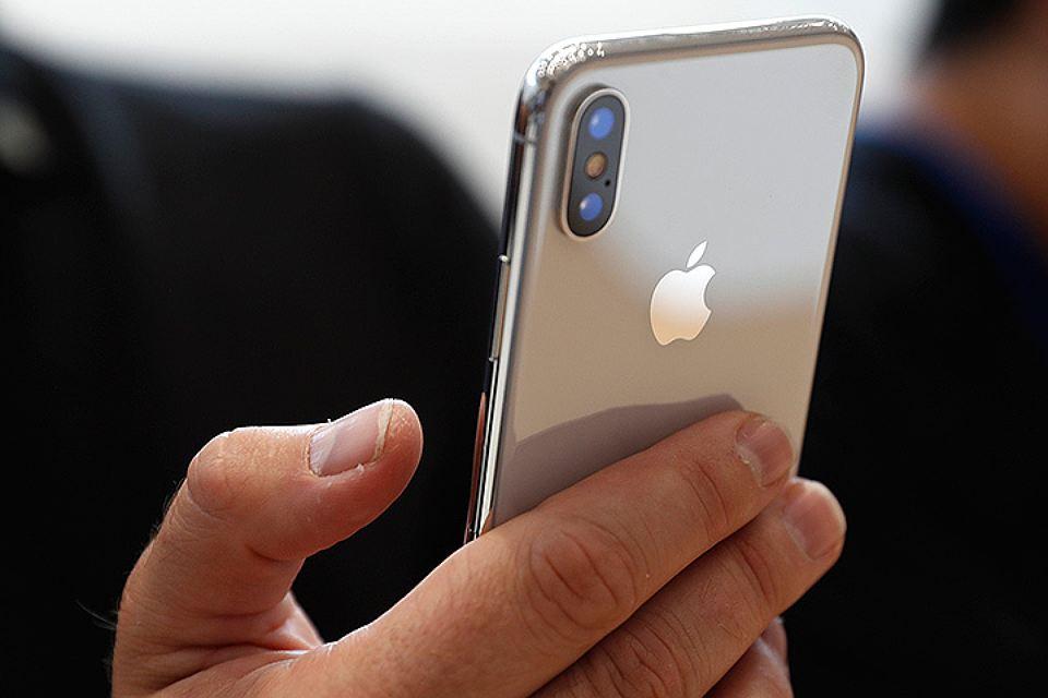 Как Apple заставляет покупать новые iPhone