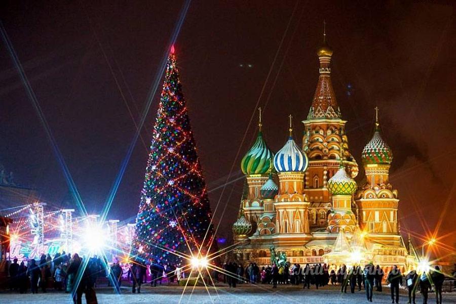 Как новогодняя елка до России добиралась