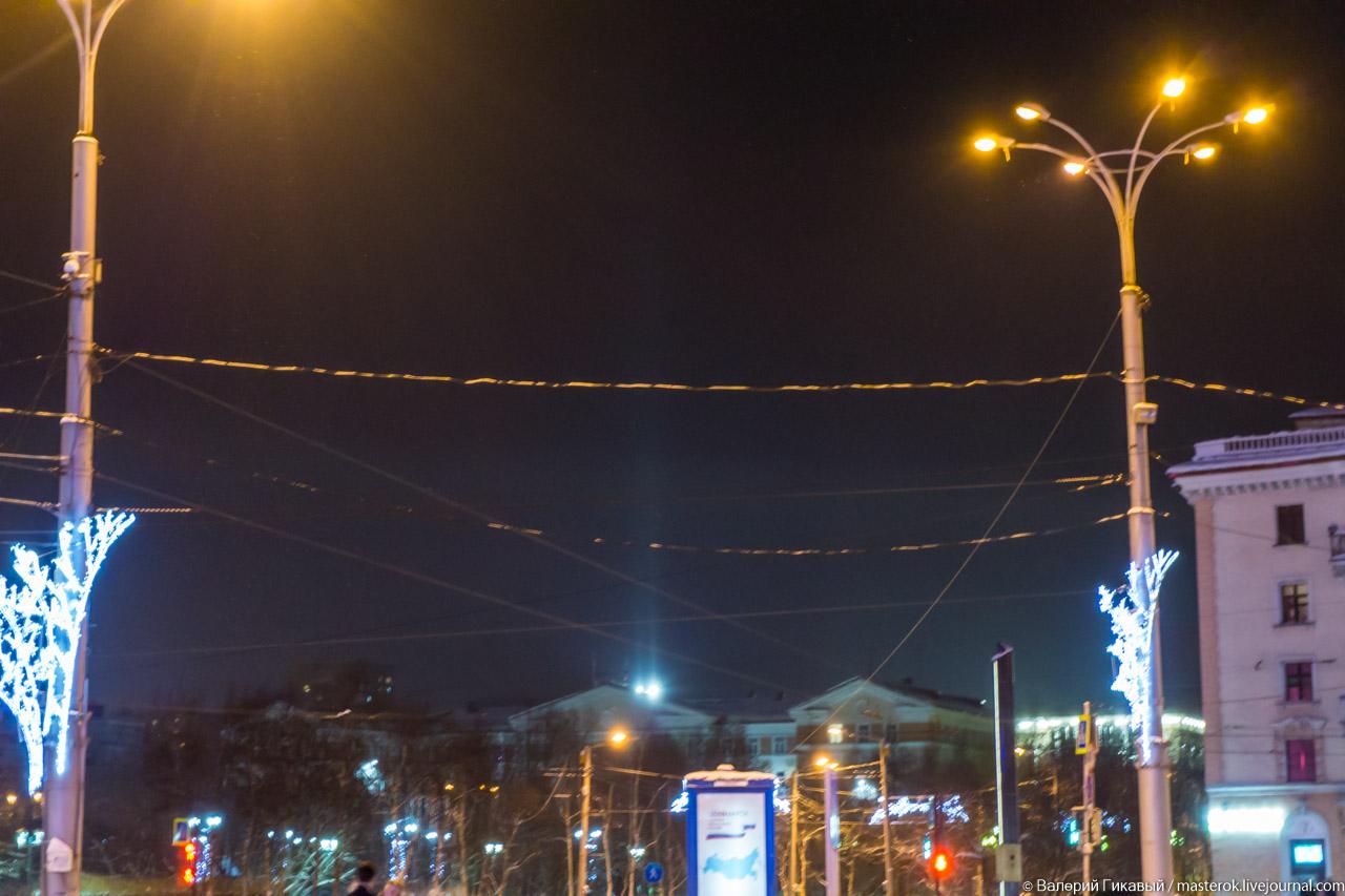 Световые столбы в Мурманске