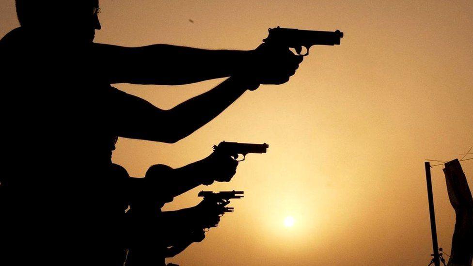 Владение оружием порождает мнимое чувство безопасности