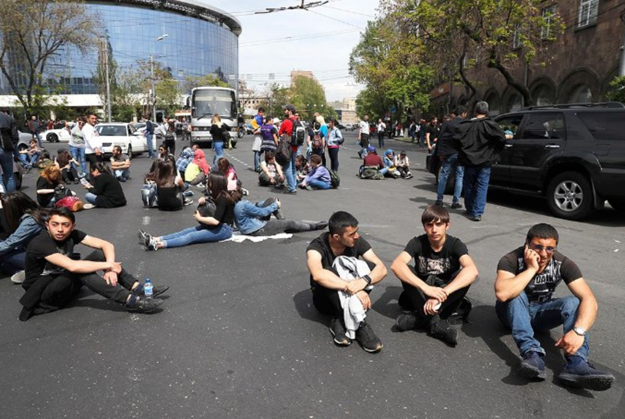 Кто делает революцию в Армении? Армении, власти, Саргсян, Пашиняна, Саргсяна, всего, финансовых, активов, котором, Западе, дальнейшее, также, оппозиции, протестов, самим, бывшего, власть, нужно, когда, нельзя