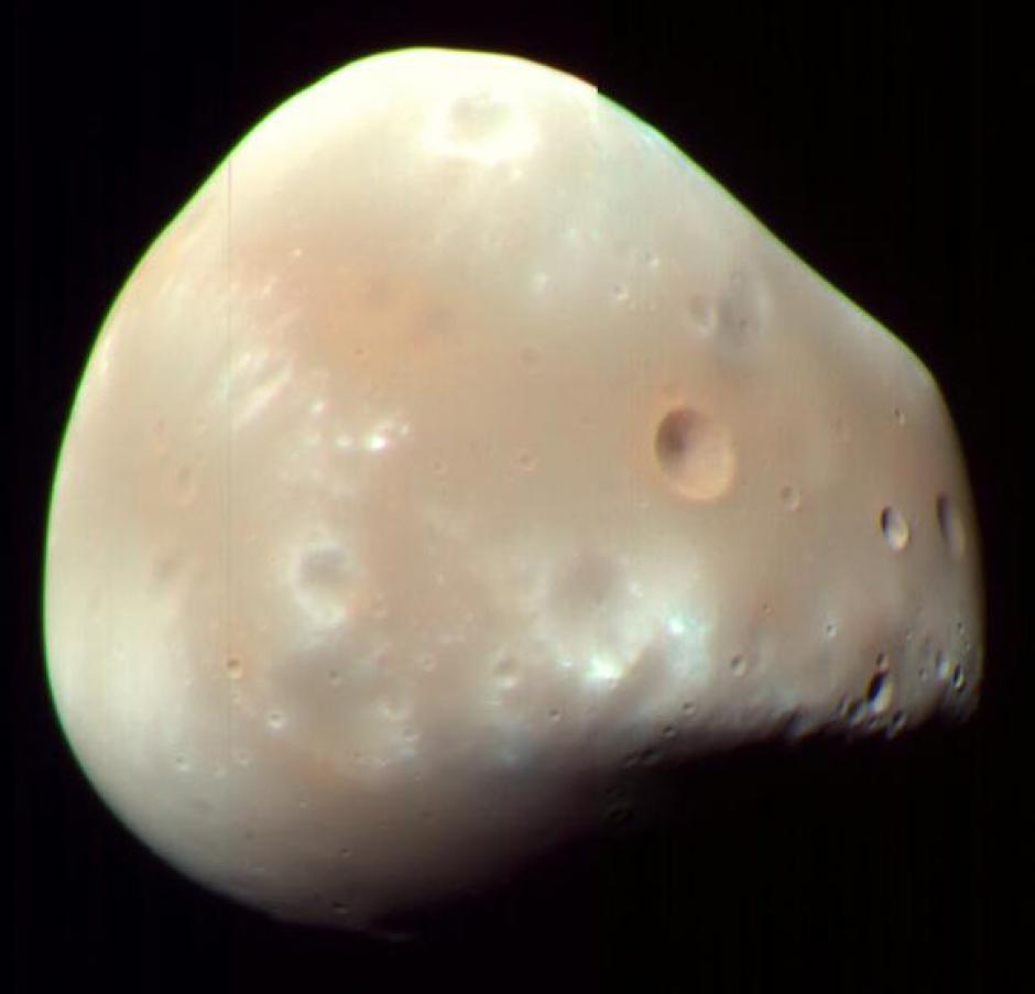 Малый спутник Марса Деймос