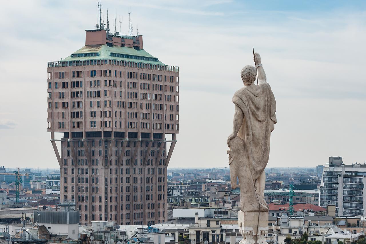 Башня Торре Веласка в Милане